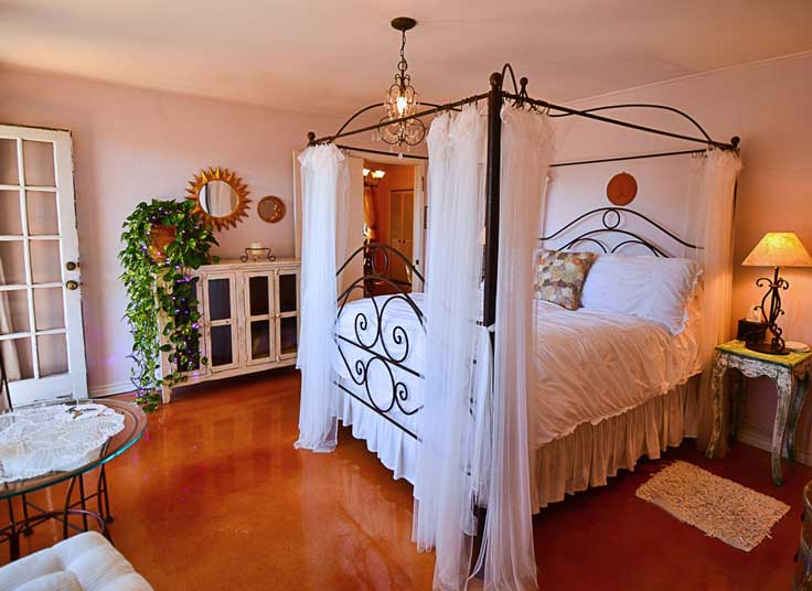 LAVENDER-SUITE-BEDROOM